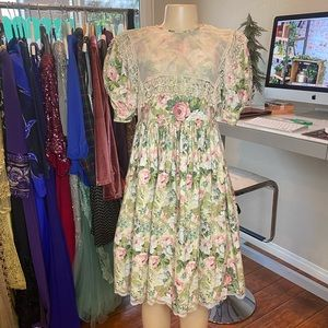 DORISSA INTERNATIONAL NICOLE Vintage Floral Dress